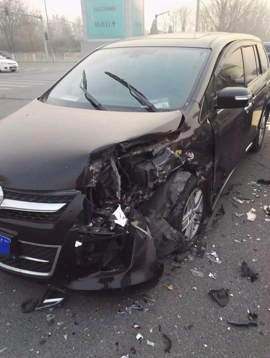马自达遭车祸暴露质量,这个25%偏置碰撞比帕萨特强不少吧?