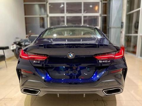 优雅的运动风格 全新宝马8系四门轿跑车实车