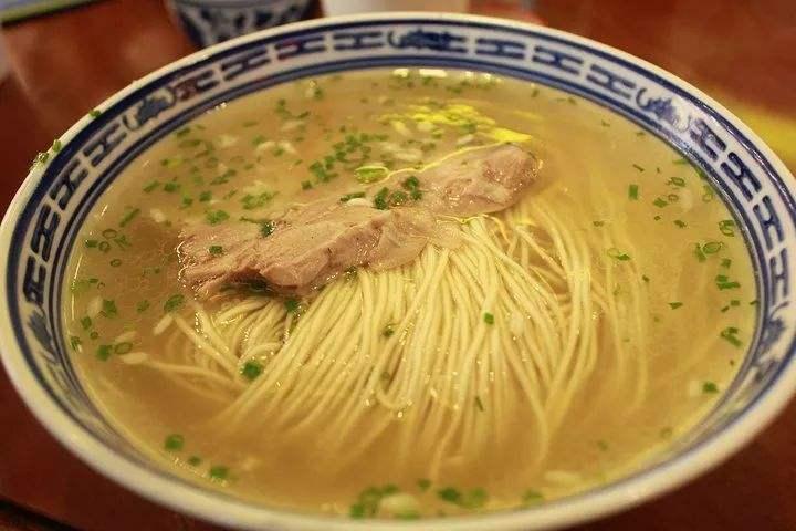 早上来一碗苏式汤面,是苏州人开启美好一天的正确打开方式!