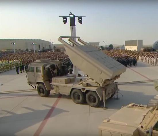 中国最强外贸火箭炮亮相中东,性能堪比导弹,火力碾压美国货