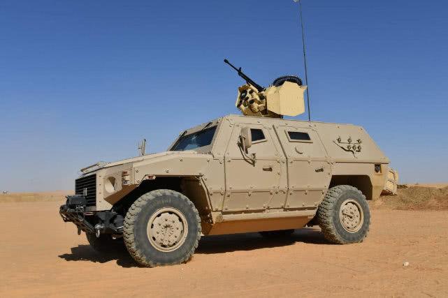 北非小霸有气势,阿尔及利亚军演直击,中国造遥控武器站颜值很高