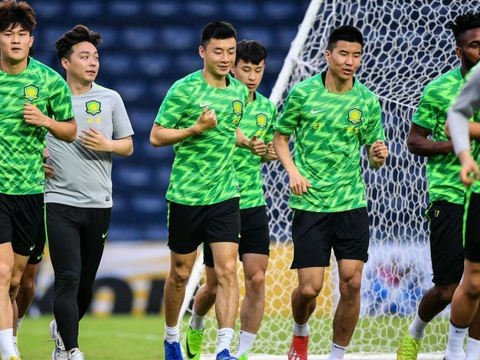 北京中赫国安球员金泰延、金玟哉与王刚受伤,这不利于亚冠比赛
