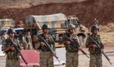 土耳其发动进攻,叙政府军多处军事设施被打击,有几十名士兵身亡