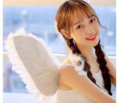 林小宅有男友,孔雪儿被曝和马伯骞同游日本,爱豆该不该谈恋爱?