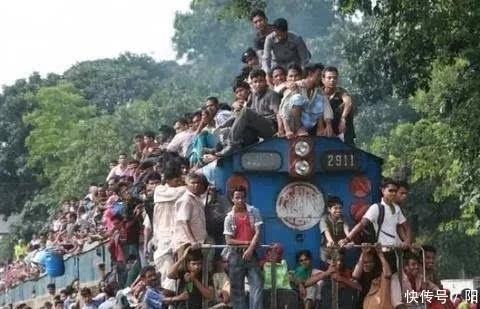 印度人口快超中国,为何不控制人口增速,不是不想,只是做不到