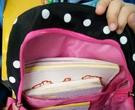 """女儿书包出现""""安全套"""",宝妈接下来的做法拯救孩子一生,太机智"""