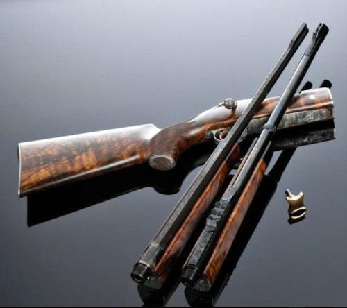 这支步枪一年只能生产12支, 价值80万美元, 是身份地位的象征