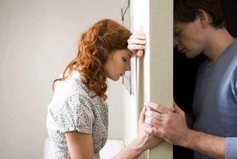 老公嫌我丑,要跟我离婚,给他打最后的电话忘挂,听到对话红了眼