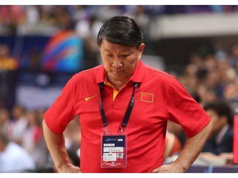 月薪仅7500中国男篮主教练,发掘赵继伟重用周琦,重返亚洲之巅!