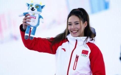 谷爱凌自由式滑雪U型池夺冠,她是中国滑雪未来的希望