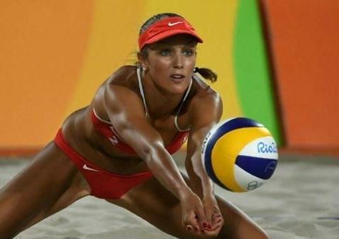 沙滩排球的美女不怕走光吗,为何都穿比基尼,答案主要有3点!