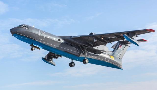 俄最新大型水上飞机首飞,可灭火可巡逻还能运72名乘客