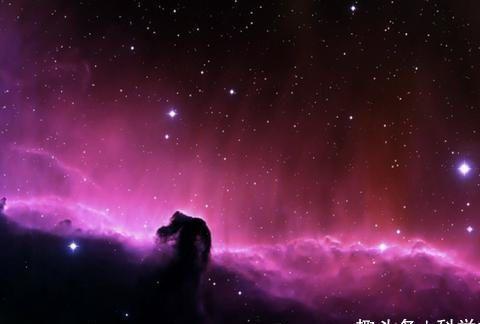 """宇宙中最著名的星云,位于猎户座,是宇宙中的""""油田"""""""