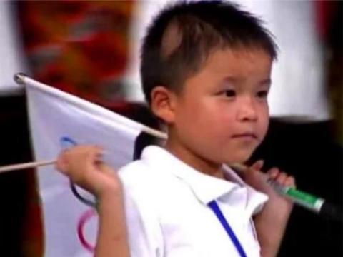 11年前汶川地震的9岁英雄,当全国人面发誓考清华,如今已回报社