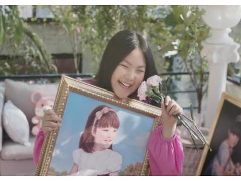 李湘自豪炫耀女儿绘画能力,晒出最新大作,取名《王诗龄画的猫》