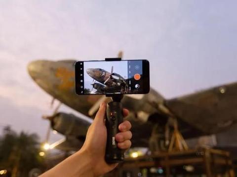智云SMOOTH Q2联姻小米10,将支持MIUI原生相机