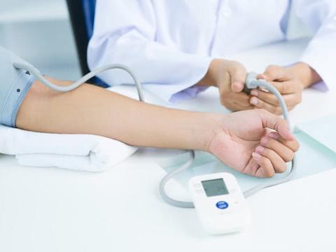 高血压者,除了盐,4种水果最好少吃,不然吃再多降压药都没用!