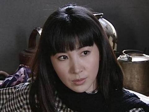 当年在《潜伏》剧组,半夜敲孙红雷门的女演员到底是谁