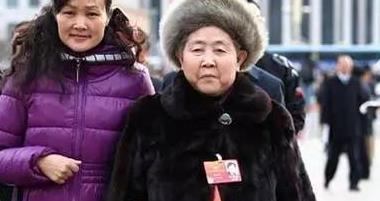 """73岁陶华碧回归,改回了之前的配料和包装,老干妈又""""活""""了?"""