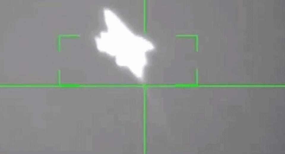 沙特和胡塞武装又来一次正面交锋,沙特惨败告终,一架战机被打爆