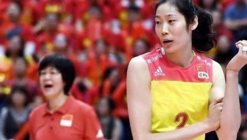"""见证朱婷职业生涯第一次命运转折 七年从""""小郎平""""成长世界巨星"""