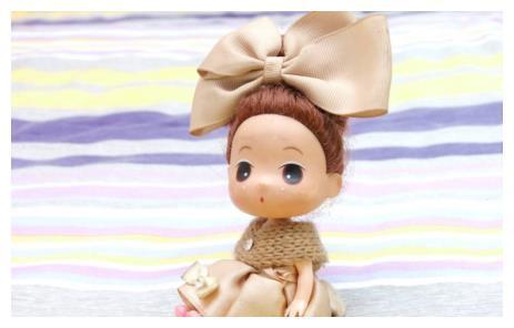 六岁女儿害怕洋娃娃,妈妈没当回事,直到孩子发烧说胡话