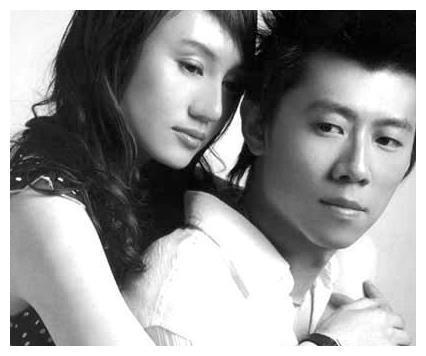 黄晓明暗恋她四年,她却大着肚子嫁入豪门,连个婚礼都没有