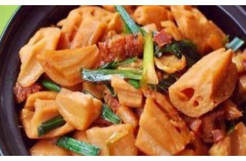 家味美食:藕块炖肉,土豆片烧香菇,牛腱炖土豆,番茄烤鸡