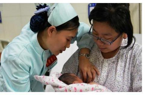 宝宝长相不似父母,家人怀疑在医院抱错娃,医生:可能是隔代遗传