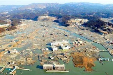 上周,日本爆发7级地震,可能诱发更大劫难……