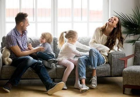 宝宝11个月,父母育儿方式不同怎么办?看这6点,能帮助宝宝健康成长