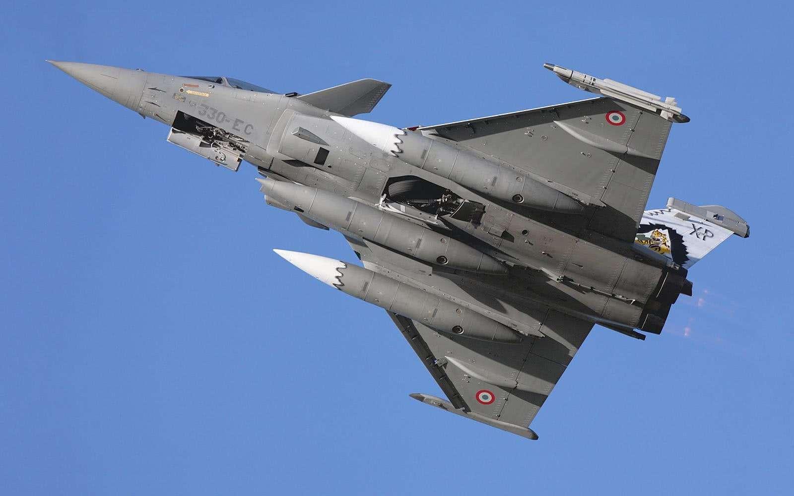 """3900亿!印军将采购83架""""光辉""""战机,这是阵风被黑得最惨的一次"""