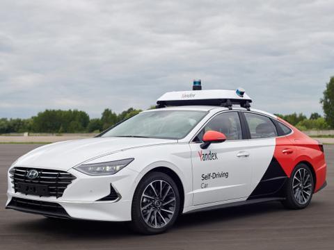 Yandex.Taxi利用人工智能技术 监控司机注意力水平/识别司机身份
