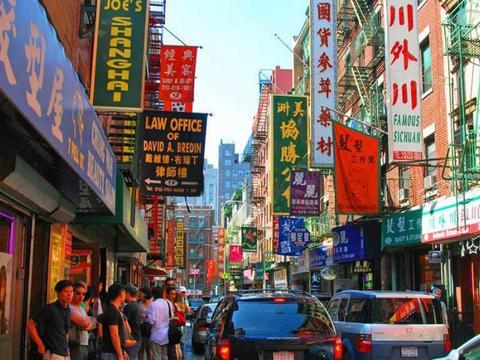 心酸的在美华人,男女混住杂乱不堪,为什么还不愿回国?
