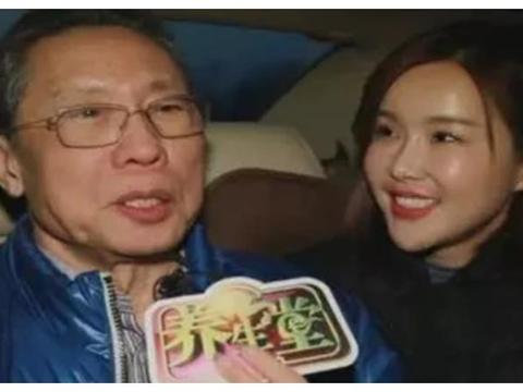 采访钟南山的主持人杨雅淇被骂惨了,停更微博,现在如何了?
