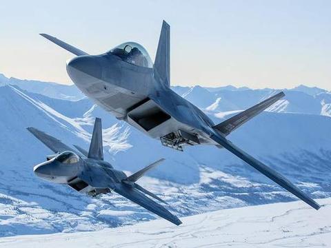 普京不再退让俄战略核轰挺进北美防空识别区,F22A战机紧急起飞