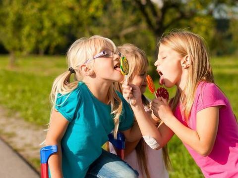 """父母在这3方面""""使劲管"""",孩子不仅情商高,还比同龄人独立"""