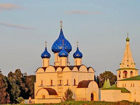 """俄罗斯到底有多美?这些""""遗世小城""""才是精髓,堪比""""童话城堡"""""""