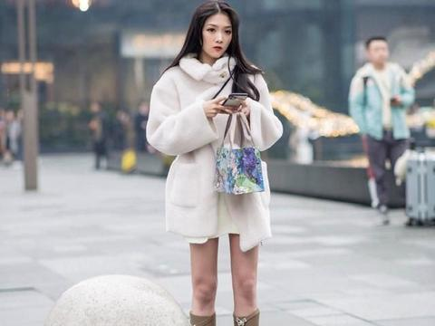 """收起你的长大衣,""""短外套""""正流行,时髦又显高,怎么搭都好看"""
