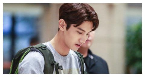 他被称韩国偶像鼻祖,跟宋茜传过绯闻,今首次承认素人女友
