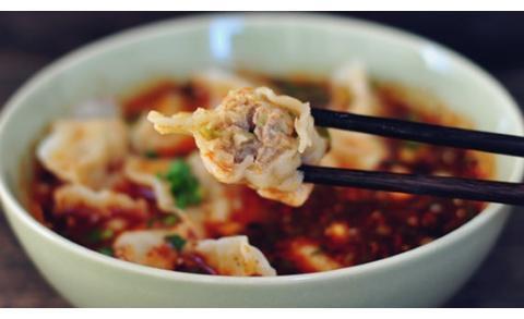 酸汤饺子好不好吃,汤汁是关键!大厨秘方给你,酸爽开胃,真香