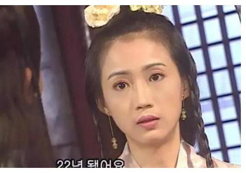 《笑傲江湖》被翻拍8遍,仪琳也有8个版本,其中2人剃了光头更美