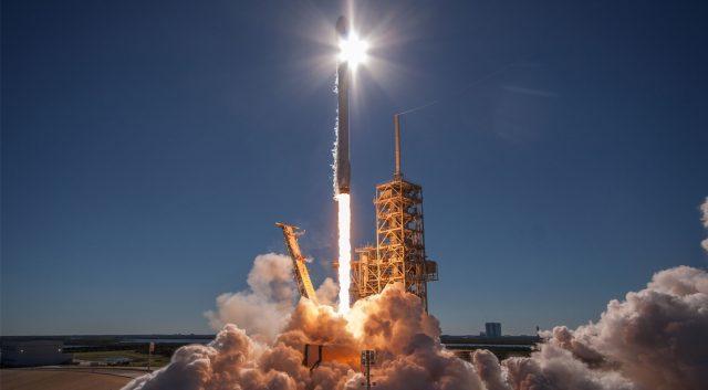 北美传来了坏消息,运载火箭发射60颗卫星入轨,指挥中心一片沮丧