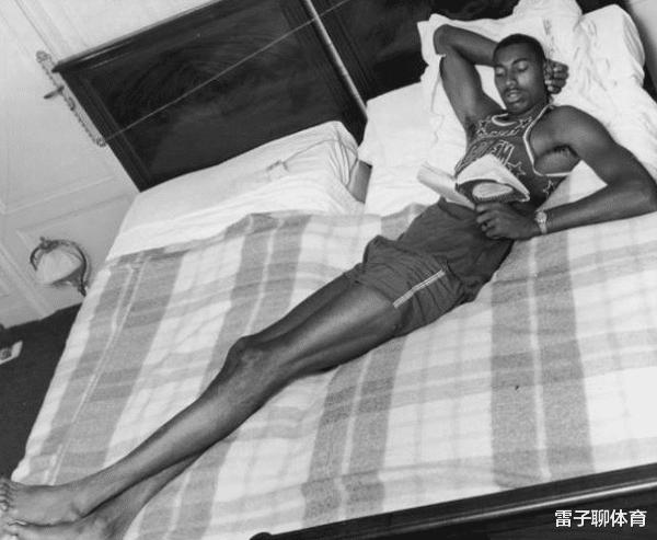 NBA名宿癖好:张伯伦必须睡两张床,奥尼尔女友不超过1米6