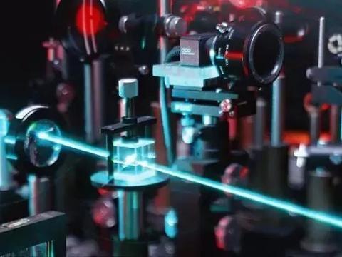 随着光泵浦技术的发展,强大的量子点激光器,又向前迈进了一步!