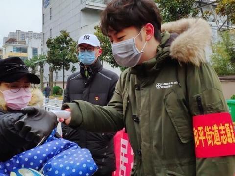 """""""疫情不退,我不回!""""武昌理工学院一学子主动申请为志愿者"""