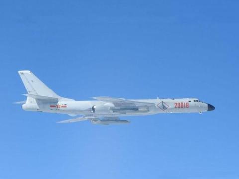 美航母突然停止前进,E-2C飞赴巴士海峡侦察,眼前令舰长紧张