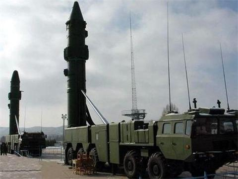 美航母战斗群进入西太,200枚东风-21D导弹已随时待命