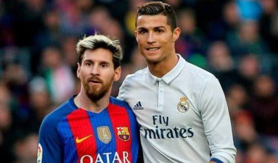 世界体育报调查显示,名宿们大部分看好梅西,记者们喜欢C罗居多