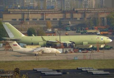 野心不小!俄军对新款伊尔78仍不满意,又搞出更大的伊尔96加油机